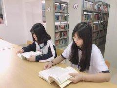 """我校图书馆是怎样迎接""""世界图书日""""的?"""